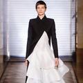 Le baptême couture de Clare Waight Keller chez Givenchy