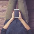 Draguer sur Tinder, Happn, Facebook quand on est en couple, est-ce tromper?