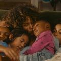 """Halle Berry, mère courage au cœur des émeutes de Los Angeles dans """"Kings"""""""