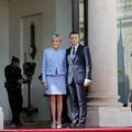 Emmanuel et Brigitte Macron, un an d'adaptation à l'Élysée