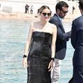Marion Cotillard ose les rangers cuissardes à Cannes