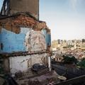 L'artiste urbain portugais Vhils s'expose pour la première fois à Paris