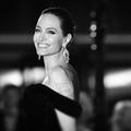 Angelina Jolie, silence, moteur, action!