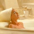 Les bains au lait d'ânesse : l'habitude de diva de Mariah Carey et de Cléopâtre