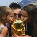 """Hugo Lloris sur sa femme et ses filles : """"Le manque est difficile à gérer"""""""