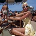 Du cabas au maillot… Que porter cet été à la plage ?