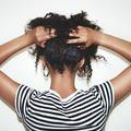 Pourquoi avons-nous parfois mal aux cheveux ?