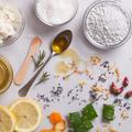 Alimentation, huiles végétales, démaquillage...Tous les gestes à adopter pour une peau correctement hydratée