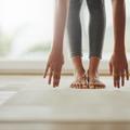 Cinq exercices de yoga et relaxation pour calmer les douleurs de règles