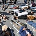 Des femmes manifestent contre les violences conjugales place de la République à Paris