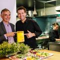 """Le chef marseillais Alexandre Mazzia sacré """"cuisinier de l'année"""" par le Gault&Millau"""