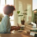 Garder le dos droit au bureau, le meilleur moyen d'avoir mal
