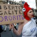"""""""L'impunité doit cesser"""" : 600 femmes appellent à une grande marche contre les violences sexistes et sexuelles"""