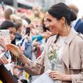 """Meghan Markle acclamée par la foule sur le générique de """"Suits"""" en Nouvelle-Zélande"""
