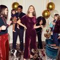 Tenues de fêtes : pour Noël, on ose l'extrême élégance avec velours, paillettes, soie et décolletés
