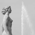 On ne naît pas femme fontaine, on le devient