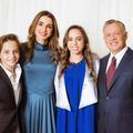 Après la carte de vœux des Cambridge, la très élégante photo de la famille royale jordanienne