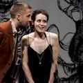 """Claire Foy n'a pas pu """"regarder Ryan Gosling dans les yeux"""" sur le tournage de """"First Man"""""""