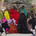 Épique, engagé et émotionnel : le défilé de femmes fleurs de Valentino éblouit la Fashion Week