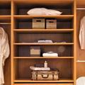 La mode après Marie Kondo: comment consommer moins et mieux