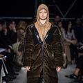 Burberry s'excuse pour avoir présenté à la Fashion Week un sweat polémique