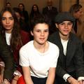La famille Beckham assortie au défilé de Victoria