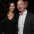 """""""Follement amoureux"""" mais séparés : la vie de Jeff Bezos et Lauren Sanchez depuis trois mois"""