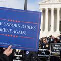 Avortement aux États-Unis : l'heure du test pour la Cour suprême