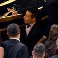 La chute de Rami Malek, la mère de Bradley Cooper... Dans les coulisses des Oscars 2019