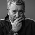 Pour Cassina, Philippe Starck utilise un matériau original conçu à base de pomme