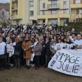 Des milliers de personnes rendent hommage à Julie, trentième victime de féminicide de l'année
