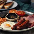 Œufs brouillés, bacon, baked beans maison... Les secrets pour préparer un vrai petit déjeuner anglais