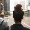 En vidéo, une chroniqueuse inverse les rôles et se glisse dans la peau d'un harceleur de rue