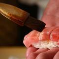 Déguster des sushis : tout un art en quelques coups… de baguettes?