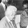 Cette touchante photo de la reine Elizabeth II rencontrant son arrière-petit-fils Archie