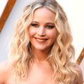 Quand Jennifer Lawrence porte une robe de mariée... pour ses fiançailles