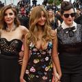 Les premiers pas timides de l'ex-call-girl Zahia sur le tapis rouge de Cannes