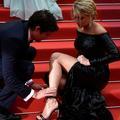 Retour sur... l'incident de sandales de Virginie Efira sur les marches de Cannes
