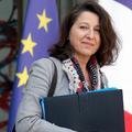 """La PMA """"devrait être remboursée"""" pour toutes les femmes, juge Agnès Buzyn"""