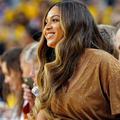 Beyoncé montre sa chevelure naturelle sur Instagram, saluée par sa mère