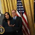 Kim Kardashian force le respect en tailleur XXL face à Donald Trump à la Maison-Blanche