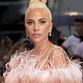 En vidéo : sur scène, Lady Gaga embrasse un musicien... déjà marié