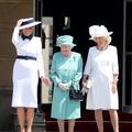 """Lady Diana, le """"Titanic""""... Les étranges symboles du style de Melania Trump à Londres"""