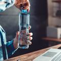 Peut-on garder et réutiliser sa bouteille en plastique ?