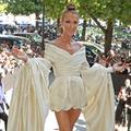 """""""Vous êtes en retard !"""" : quand la diva Céline Dion fait la pluie et le beau temps à la Fashion Week"""