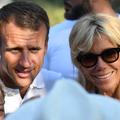 En vacances dans le Var, Brigitte et Emmanuel Macron immortalisés devant une abbaye