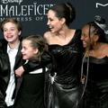 """Angelina Jolie avec tous ses enfants (sauf Maddox) sur le tapis rouge de """"Maléfique 2"""""""