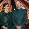 Le prince William vole la vedette à Kate Middleton avec son costume traditionnel pakistanais