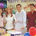 """Joey retrouve Rachel et Monica : la photo des """"Friends"""" vingt-cinq ans après"""