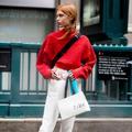 Comment porter du rouge sans en faire trop ?